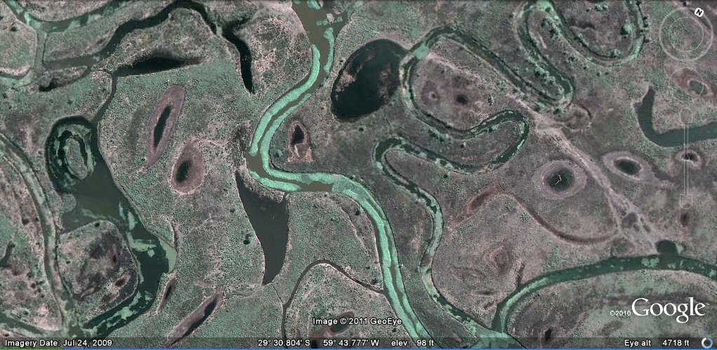 canal and pond formations rio parana