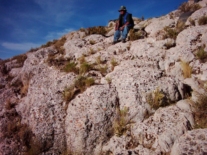 carbonate deposits at Pampa Aullagas