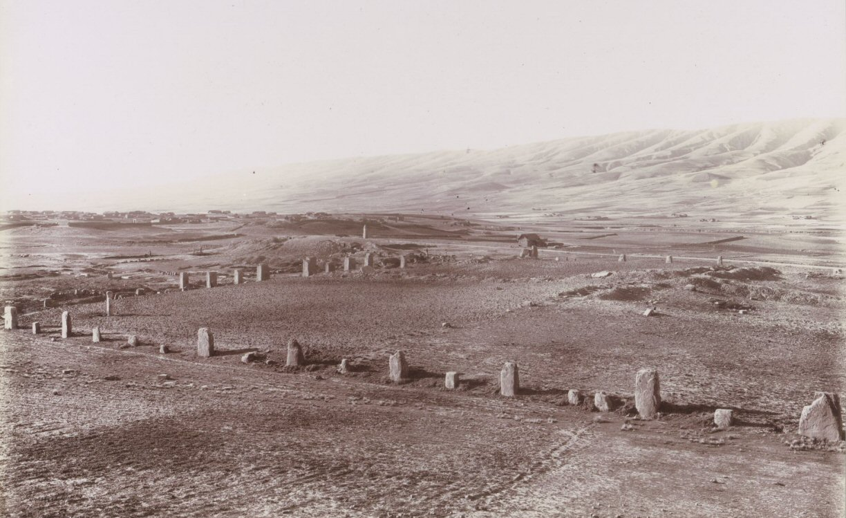 kalasasaya stones before restoration 1903